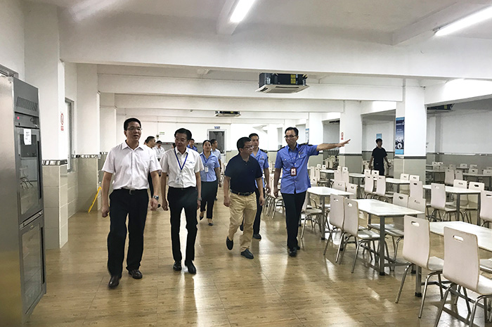 factory visit by major of town