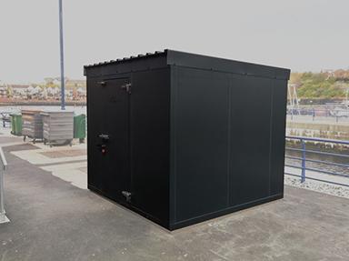 External coldroom in black finish.